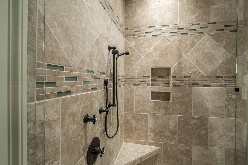 Jak dbać o płytki w łazience?